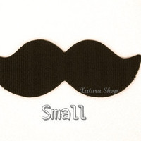 Mustache rug. Small size. Choose gross or thin and the color of your mat.