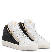 Giuseppe Zanotti Gz Kriss Black And White Calfskin Leather Mid-top Sneaker