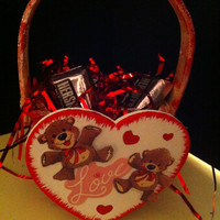 Basket for Valentine's Day gift card, small gift or candy holder decorated with teddy bears
