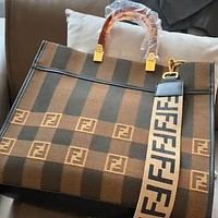FENDI new retro wild canvas shopping bag crossbody bag