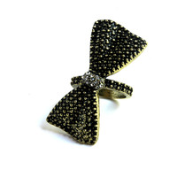 """""""Take A Bow"""" Bow Gold And Black Accent Midi Ring"""