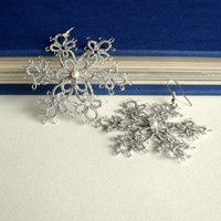 snowflake earrings, silver, winter, christmas, handmade tatting lace, MADE TO ORDER