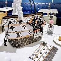 Onewel Lv Neverfull 2020 New Medium Shopping Bag Black Monogram Print White Background