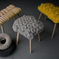 STOOLS : Claire