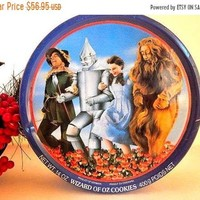 The Wizard of Oz Cookie Tin Metal Storage Container Dorothy Scarecrow Lion Tin Man MGM Film Vintage 1989 50th Anniversary FREE SHIPPING