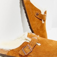Birkenstock Shearling Boston Clog | Urban Outfitters
