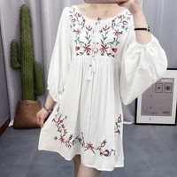 Fashion Ladiessweet floral Embroidery white Dress loose V neck half sleeve casual Pessant Hippie Blouse Gypsy Boho Plus Size
