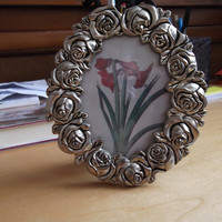 Oval photo frame decorated with silver roses - vintage - Christmas/anniversary/birthday/graduation/new home gift