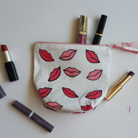 Lips Zip Purse, Makeup Bag, Coin Purse, Small Accessory Pouch FREE SHİPPİNG