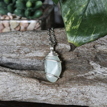 Natural Jade Necklace, Green Stone Pendant, Hippie Jewelry, Boho Chic Festival Fashion, Bohemian Style, Wiccan, Pagan, Gypsy, Indie, Reiki