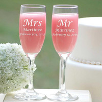 Personalized Champagne Glasses, Custom Engraved Champagne Flutes, Mr and Mrs Wedding Toasting Glasses, Bride and Groom Glasses