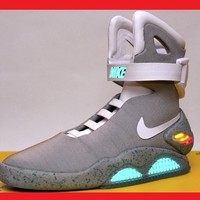 LIMITED EDITION 2011 NIKE MAG  7,  8  or  9  BACK FUTURE MCFLY AIR SHOES BOOTS