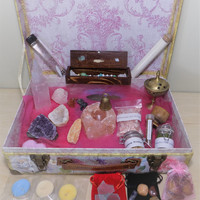 Wiccan / Pagan Altar Kit - Travel Witch Starter Box - Herbs - Pendulum - Chakra - Crystals - Suitcase
