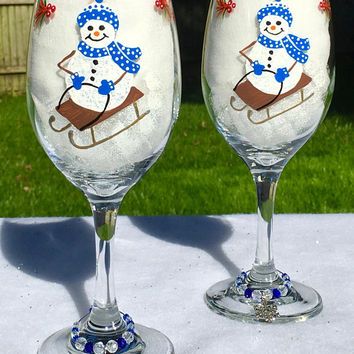 Christmas Wine Glasses With Snowmen and Wine Glass Charms Set of 2, Holiday Wine Glasses, Christmas Gifts, Gifts For Her, Gift Ideas