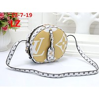 LV 2019 new women's classic old flower small round bag shoulder bag yellow