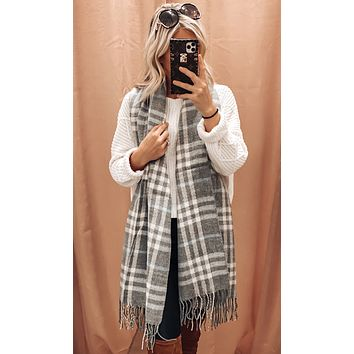 DOOR BUSTER* BLAIRE PLAID SCARF IN GREY MULTI