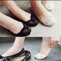 New Sexy Women Cotton Lace Antiskid Invisible Liner No Show Peds Low Cut Socks = 1705629508