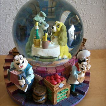 "Disney Lady and the Tramp ""La Belle Et El Clochard"" Musical Snowglobe"