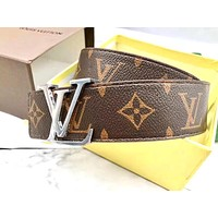Louis Vuitton LV tide brand belt letter classic old flower smooth buckle belt