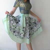 Green skirt with overlap style custom made all size by Linaline