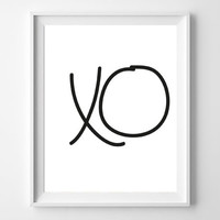 Printable Typography Art -XO Hugs and kisses-8x10 Digital Instant Download Black and White Wall Art Minimalist Home Decor
