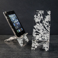 Phone Stand for iPhone 4/4S and iPhone 5 Docking Station - Floral Design Modern Lace Flower