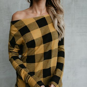 Slash Shoulder Checks Top with Sleeves