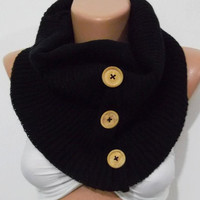 Elegance Scarf  Infinity Scarf  Circle Scarf   Scarf with buttons