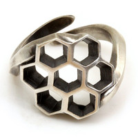 Honeycomb Bee Ring in Sterling Silver, Adjustable (J05)
