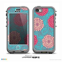 The Pink & Blue Floral Illustration Skin for the iPhone 5c nüüd LifeProof Case