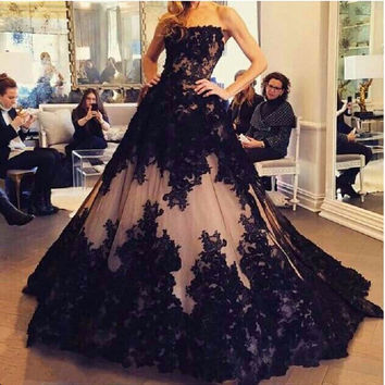 Strapless Off The Shoulder Sweep Train A-Line Tulle With Black Appliques Long Black Prom Dresses Vestido Formatura Longo