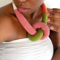 Deluxe Chunky Crochet Necklace Guayaba Deluxe by dualchocolate
