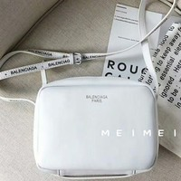 BALENCIAGA 2018 new white clean exquisite stylish camera bag F-AGG-CZDL