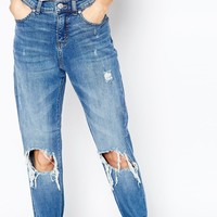 Cheap Monday Donna Slim Boyfriend Jeans With Ripped Knees