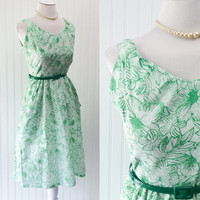Leyla dress // 70s green & white hawaiian floral print boho pinup midi sundress // huge side pockets // size S
