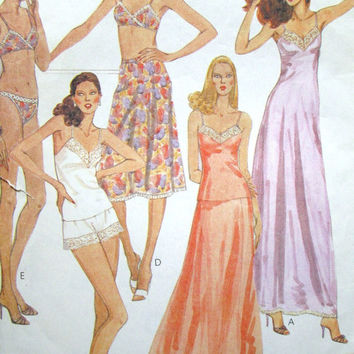 Vintage Lingerie Sewing Pattern camisole cami top slip nightgown bra bikini panties tap pants shorts vtg 70s 1970s McCall's 6972 women 8