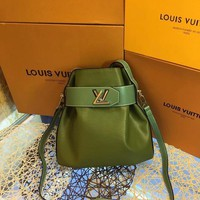 DCCK L040 Louis Vuitton LV Water ripples cowhide barrels pack high-capacity single shoulder bag 29.5-29-14.5cm Green