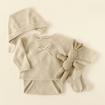 Knit baby pearl set. Sweater, diaper cover, bonnet, socks. Baby gift. 100% Merino. READY TO SHIP size newborn.