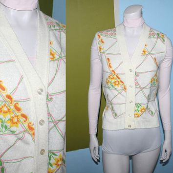 Vintage 70s GROOVY SWEATER VEST / Floral, Paisley Print / Cream Knit, Hot Pink, Yellow, Orange Flower Power / Psychedelic Top / Med Large