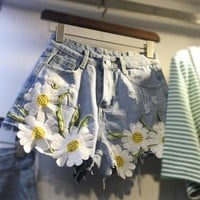 Summer Women Denim Jeans Shorts Plus Size 5XL High Waist Daisy Embroidery Appliques Short Pants Causal Short Feminino