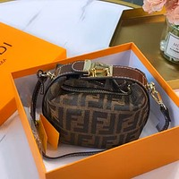 Fendi 2020 spring and summer new armpit bag shoulder bag crossbody bag