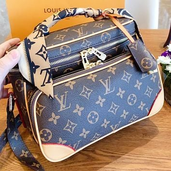 Hipgirls LV Louis vuitton Fashion New monogram leather shopping leisure crossbody bag shoulder bag