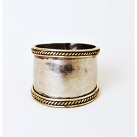 SunaharA Aussie Coin Wide Mid Knuckle Ring