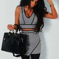 Harlow Monochrome Dogtooth Print Crop Top | Pink Boutique