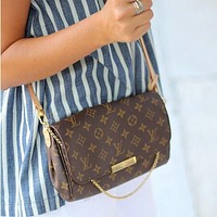 Louis Vuitton LV Trending Women Shopping Logo Print Buckle Leather Metal Chain Crossbody Satchel Shoulder Bag