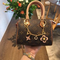 Louis Vuitton Lv Accessories More Blooming Flowers Chain Bag Charm And Key Holder M63086 - Best Deal Online