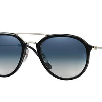 Look who's looking at this new Ray-Ban Rb4253