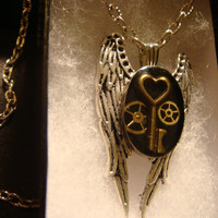 Angel Wings with Tiny Skeleton Key and Gears Steampunk  Necklace (1272)