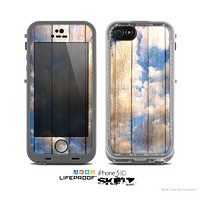 The Cloudy Wood Planks Skin for the Apple iPhone 5c LifeProof Case