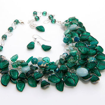 Emerald Green Statement Necklace and dangle earrings, Bib Necklace,  Chunky Necklace, Wedding Jewelry